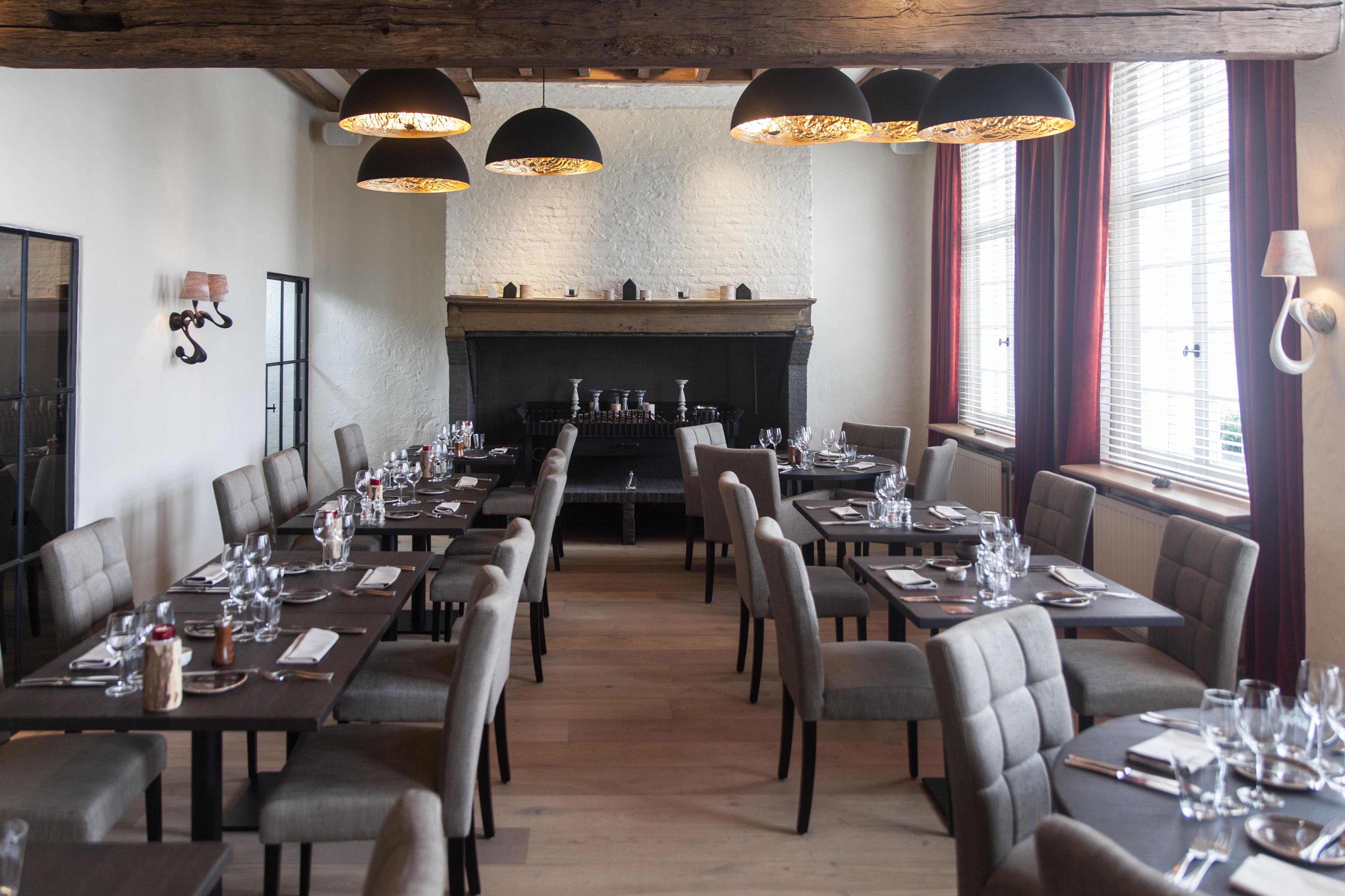 Total makeover restaurant 39 t landhuys nokere yves de wintere decoratie schilderwerken waregem - Interieur decoratie ontwerp ...